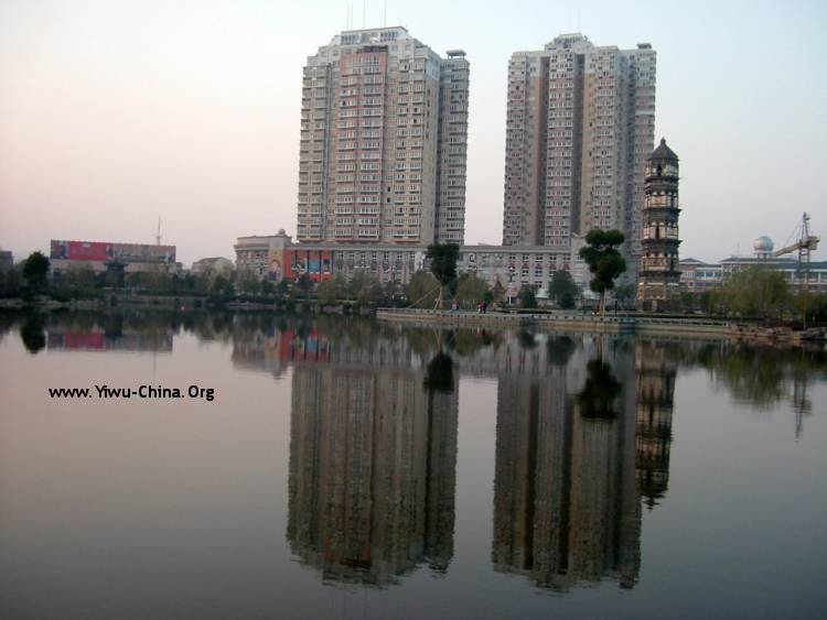 The lake in Yiwu Xiuhu park
